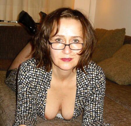 Femme infidèle réellement chaude cherche un mec accueillant